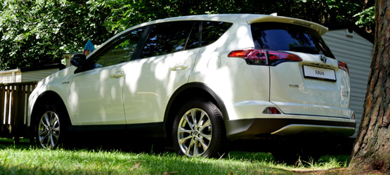 voiture-girl test: Toyota RAV4 Hybride