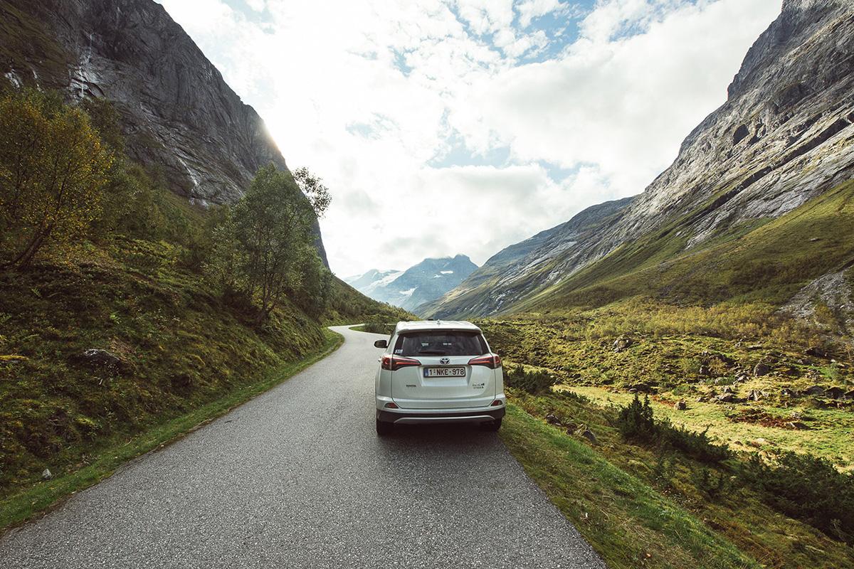 Belgisch topfotograaf Johan Lolos trekt met de Toyota RAV4 Hybride door Noorwegen.
