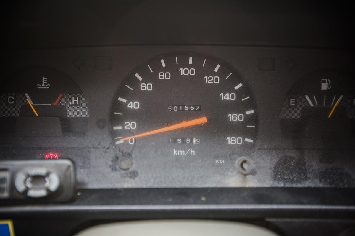 De Toyota Hilux van veehandelaar Jean Thilmany doet al meer dan 20 jaar trouw dienst aan zijn zijde. Goed voor 500.000 km!