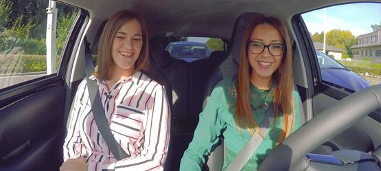 Sila en Sara testen de nieuwe Toyota AYGO en brengen verslag uit in hun CHECK&GO!-video. Gezocht: nog meer testrijders voor Toyota.
