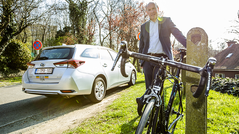 Depuis 2018, Toyota est partenaire logistique de la Royale Ligue vélocipédique belge. Le président de la ligue, Tom Van Damme, ne tarit pas d'éloges sur la vingtaine de Toyota à la disposition de son équipe.
