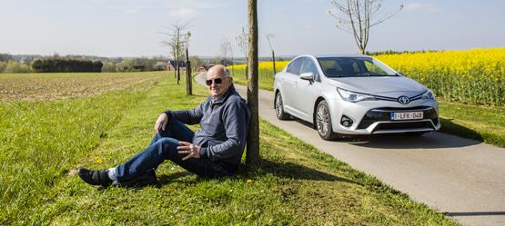 Daniel Debacker en zijn echtgenote Béatrice bestelden hun eerste Toyota in 1972 en zijn dit jaar aan hun 17e exemplaar toe! Betrouwbaarheid is voor hen de belangrijkste kwaliteit van het merk.