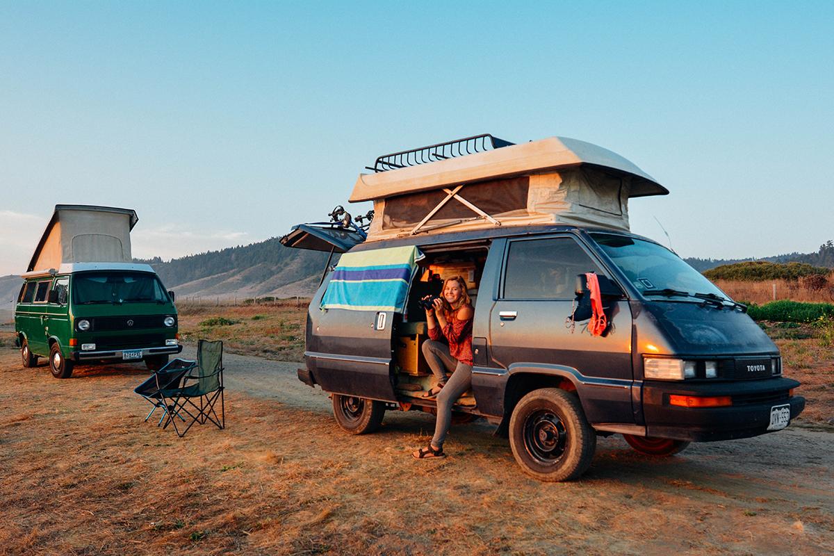 Dans son van Toyota de 1987, l'Américaine Kathleen Morton (32 ans) mène la vie dont elle rêvait : libre, consciente et proche de la nature et d'elle-même.